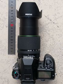 Pentax 18-135 mm test review dimensions télé avec paresoleil