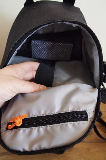 Lowepro SlingShot 202 AW test review poche supérieure
