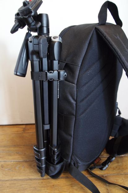 Lowepro SlingShot 202 AW test review trépied