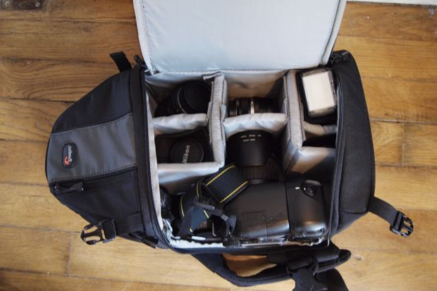 Lowepro SlingShot 202 AW test review contenance