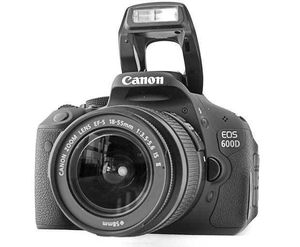 Canon 600D flash ouvert