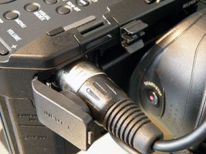 Sony FS100 test review avis connexion son XLR
