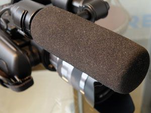 Sony FS100 test review avis micro XLR