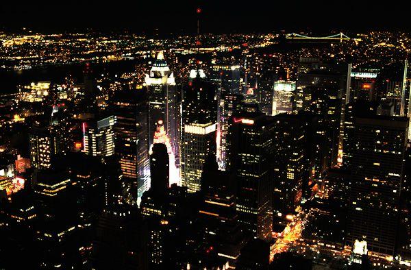 Photographier la ville la nuit prise de vue focus for Piscine de nuit paris