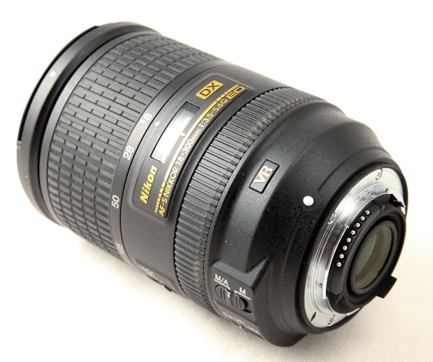 AF-S Nikkor 18-300 mm f/3,5-5,6 G ED VR test review détail
