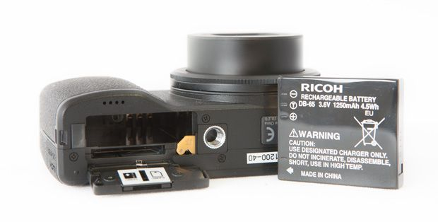 Ricoh GR test review batterie, autonomie et carte mémoire