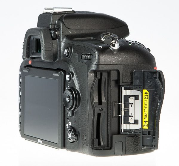 Nikon D750 review avis test cartes mémoire double slot