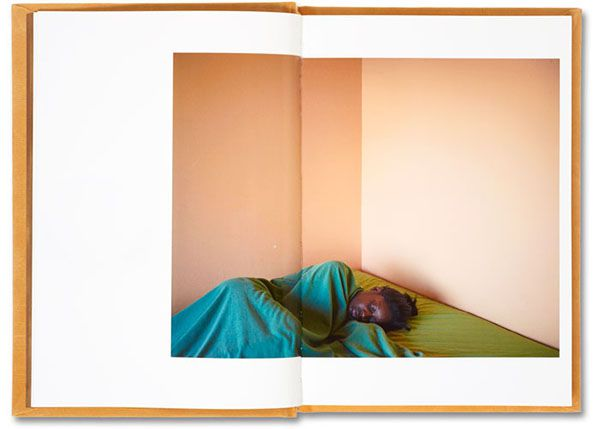 Paul Graham, Does Yellow Run Forever?, MACK Books, pages intérieures