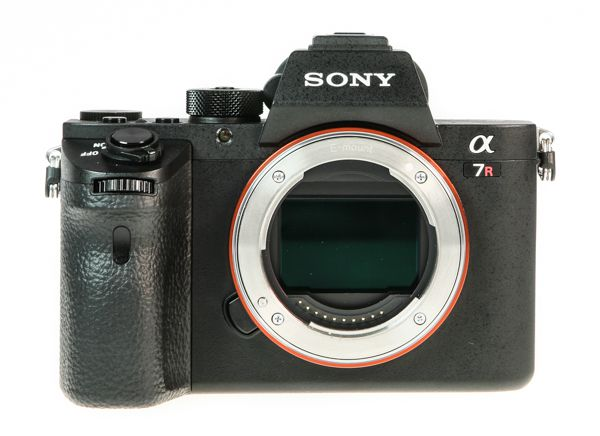 Sony A7R 2 (Alpha 7R 2) test review vue de face sans objectif