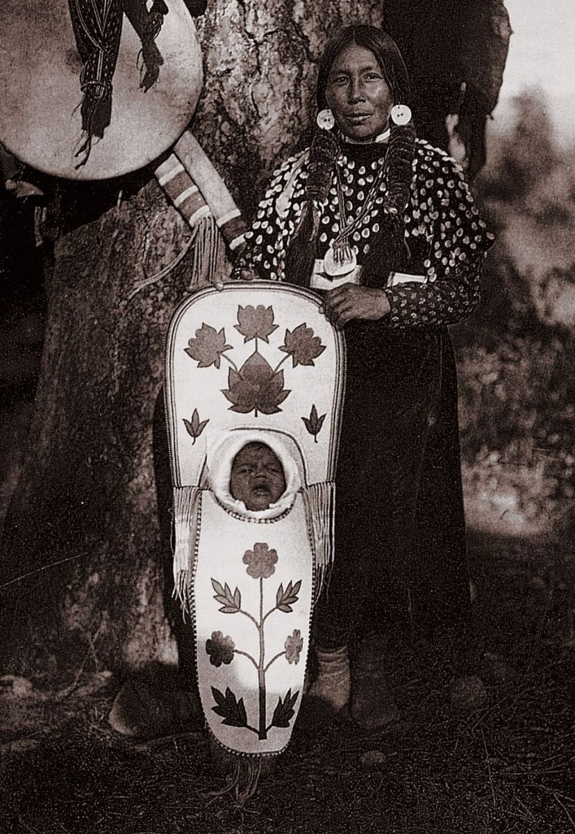 Edward S. Curtis, The North American Indian, Flathead Mother