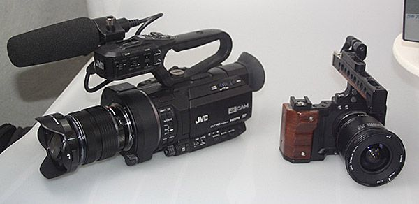 Test caméras 4K JVC LS300, gabarit comparé à une BlackMagic Design Pocket Cinema Camera (BMPCC)
