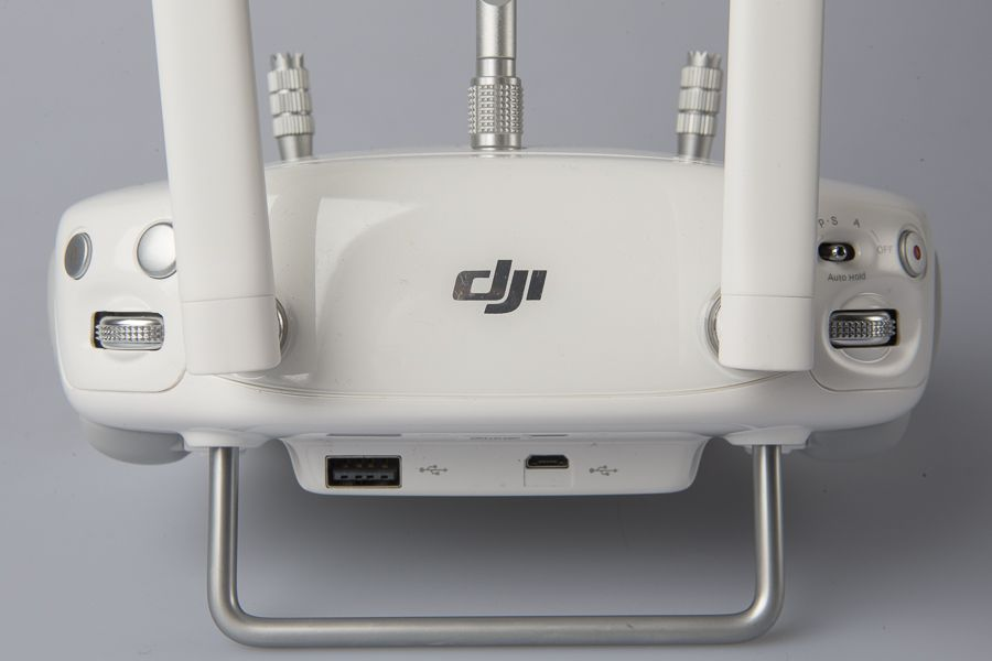 DJI Phantom 4 test review radiocommande