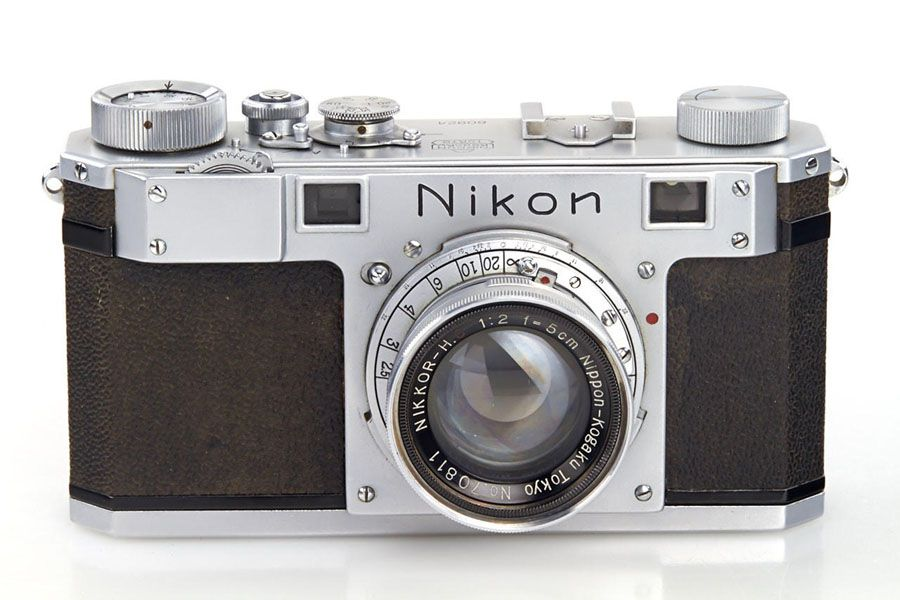 Appareil photo Nikon 1948 mis en vente à la WestLicht Photographica Auction de Vienne