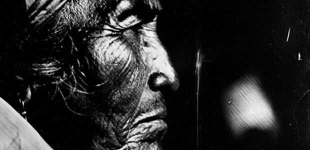 Mapuche : une exposition de photographies au collodion humide