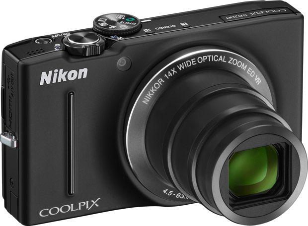 Nikon Coolpix S8200 gros zoom compact