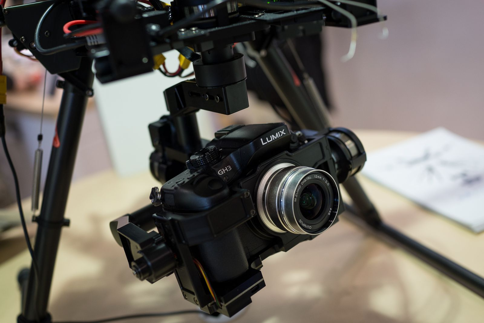 CP+ 2014 : Dji, Spreadwings S800 équipé d'un GH3