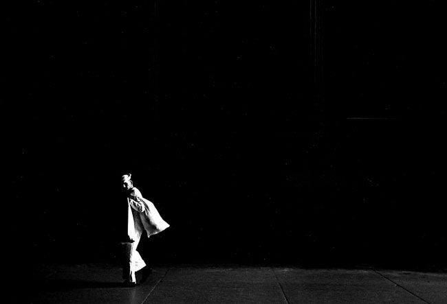 Ray K. Metzker, Philadelphia, 1963, copyright Ray K. Metzker, courtesy Laurence Miller Gallery