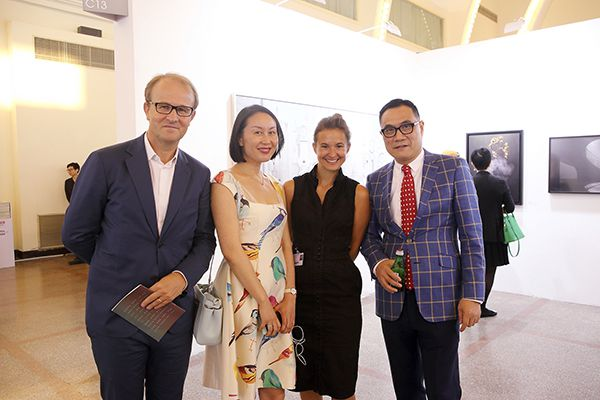 Alain Deroche, Amy Young, Magda Danysz & Thomas Shao sur Photo Shanghai 2015