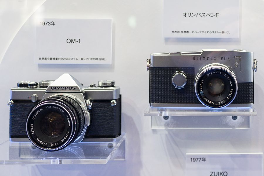 CP+ 2016 : stand Olympus Pen F argentqiue
